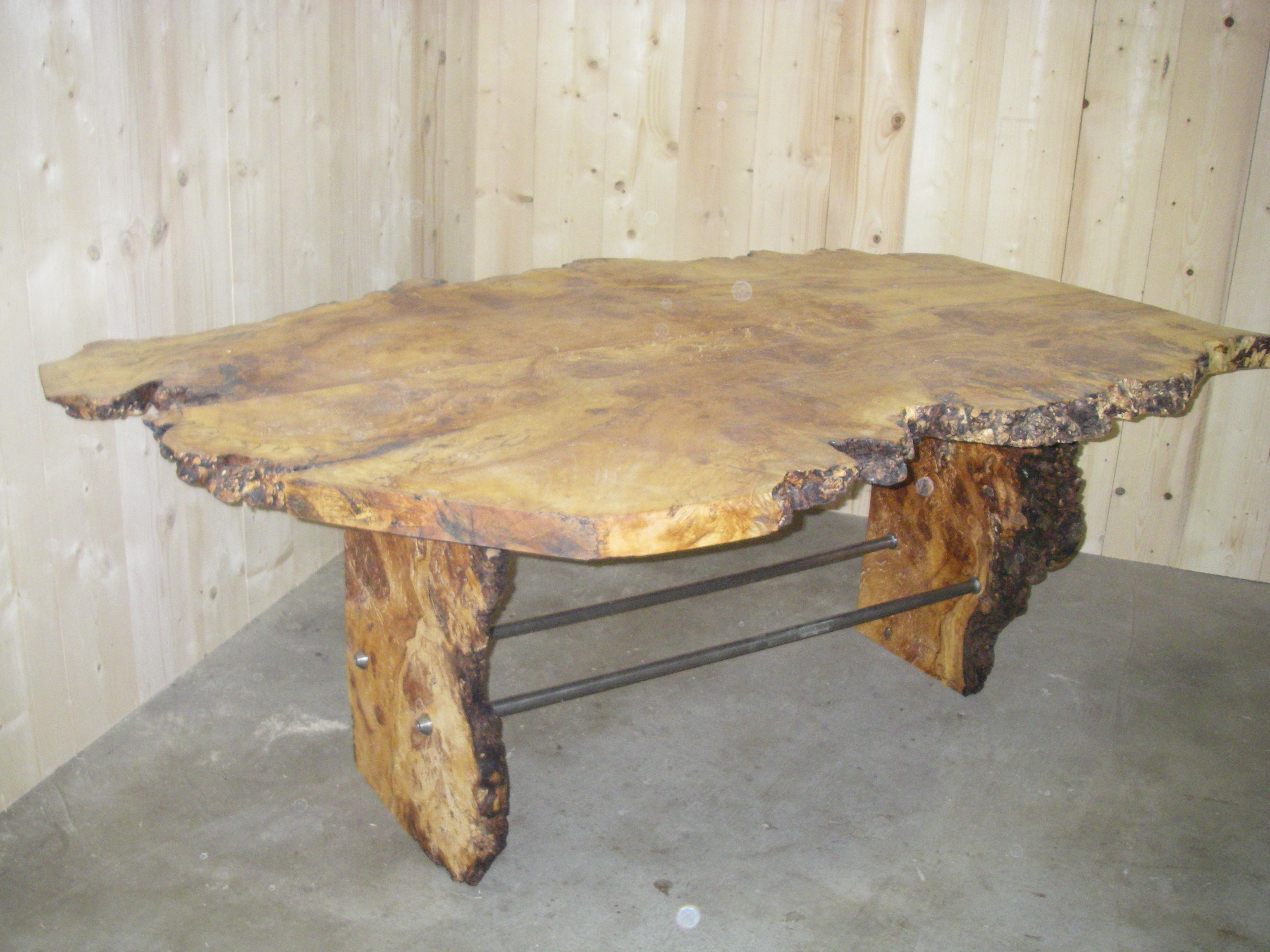 boomstam tafel massief tulpenhout