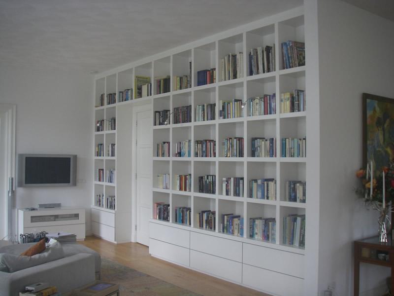 Boekenkast en kantoormeubel